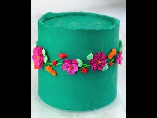 """Зеленый торт с кремовыми цветами. Паблик """"Сам себе кондитер"""""""