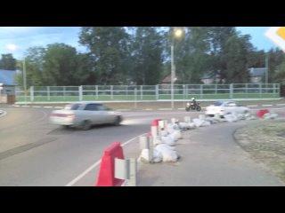 Резкий старт мотоцикла на ул. Захарова