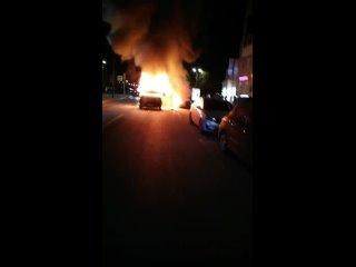 Ночной пожар.Сгорел микроавтобус ул. Б. Покровская...