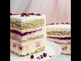 """Маковый торт с вишнёвым чизкейком, малиновым конфи и сливочным кремом. / Наша группа во ВКонтакте: """"ТОРТ-РЕЦЕПТ-VК""""."""