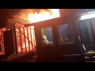 Крупный пожар оставил без крыши троих в Выборгском...