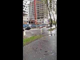 А вот и традиционный бассеин на Кирова открылся.#Л...