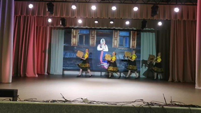 Образцовый самодеятельный коллектив хореографический ансамбль Мираж Танец Завалинка Новгородская обл п Крестцы