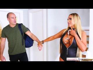 Шон Лоулесс трахает мамашку друга с большими сиськами [Pornhub,русское,инцест,teen,milf,Anal,full,порно,слив,анал,фулл]