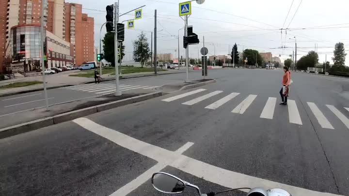 Последний день лета. Дорога закончилась, а движение нет. Ловушка на проспекте Маршала Жукова.
