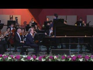 Grafenegg Festival 2021: Lorenzo Viotti, Orch. del Maggio Musicale Fiorentino, Rudolf Buchbinder (Grafenegg, )