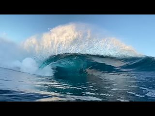 The way this wave breaks in slow motion is mind blowing