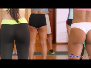 Rebecca Volpetti, Asia Rae - Interracial lesbian 69 in the gym