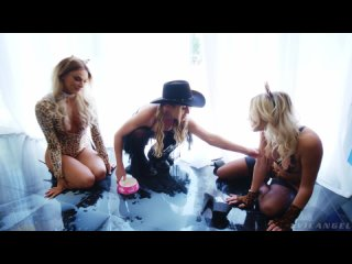 Emma Hix and Paige Owens and Kenna James - Wild Anal Lesbian 3way [Lesbian]
