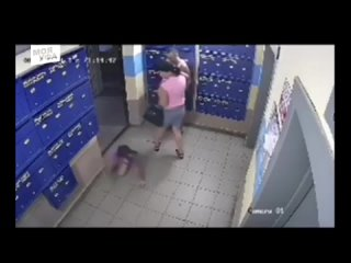В Уфе мужчина избил дочь своей сожительницы