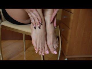 Божественные ножки с идеальным педикюром