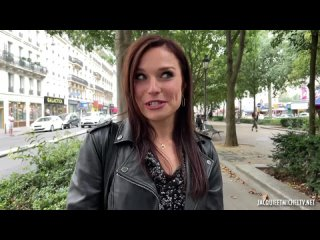 [Jacquieetmicheltv] Clemence knew she was knocking on the right door