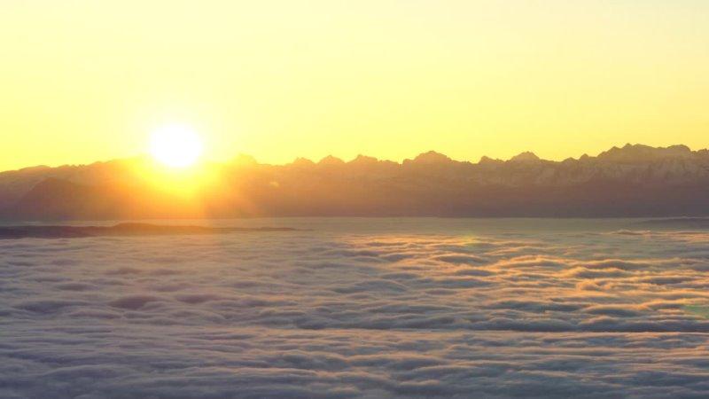 ¡La luz del sol estaba sobre los Alpes