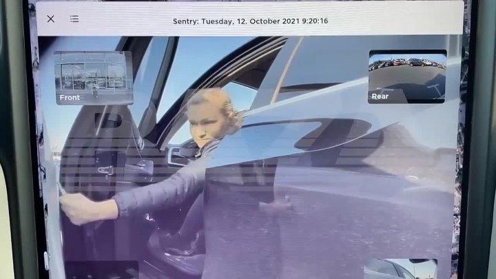 Автоледи на BMW исцарапала «Теслу» ключом, не догадываясь о камере