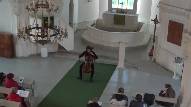 И С Бах Сарабанда из сюиты №3 для виолончели соло