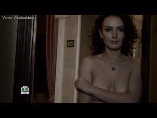 Наталья Высочанская засветила грудь