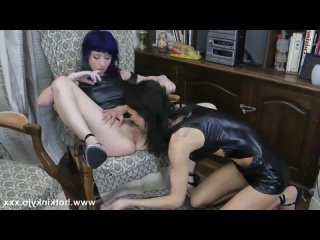 [Onlyfans] [ManyVids]  hardcore lesbian fisting 720p