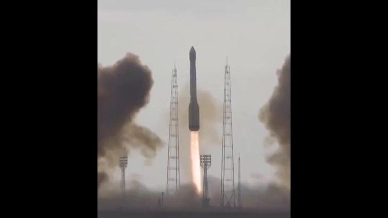 Госсийская ракета Протон М несущая спутники Глонасс стоимостью 200 млн $ кабздец
