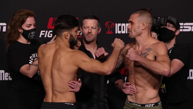 Кристос Гиагос vs Арман Царукян Битва взглядов перед UFC Вегас 37