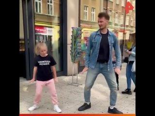 Красиво двигаются / РЕНТВ