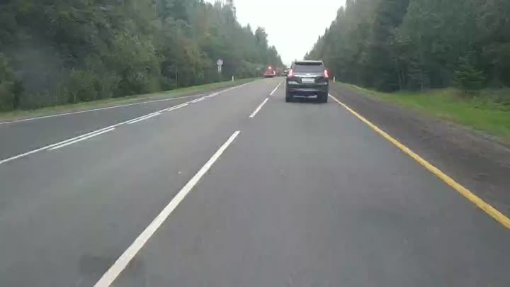 В столкновении Subaru и Daewoo Nexia под Лугой погибли два человека ДТП произошло в 5:20 утра на 1...