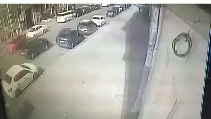 Вчера в 14:03 в Дегтярном переулке у дома 32/25 водитель Hyundai Tucson паркуясь притёр мой автомоби...