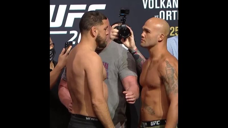 Ник Диаз vs Робби Лоулер Битва взглядов перед UFC 266