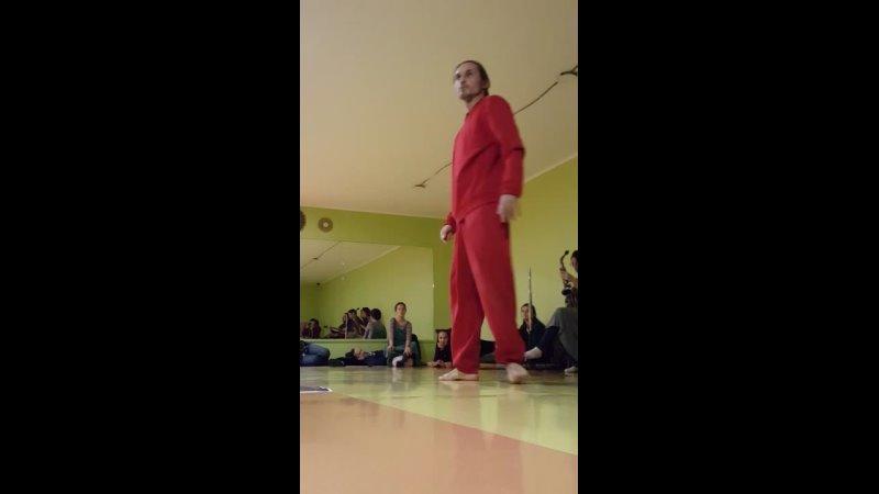 Володя Елизаров танцует на историю о противостоянии и борьбе 1 часть