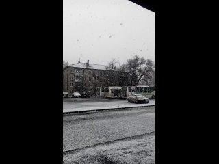 Первый снег укрыл сегодня Волхов. Эта новость обра...