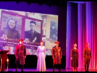В концертном зале Дома офицеров Уссурийского гарни...