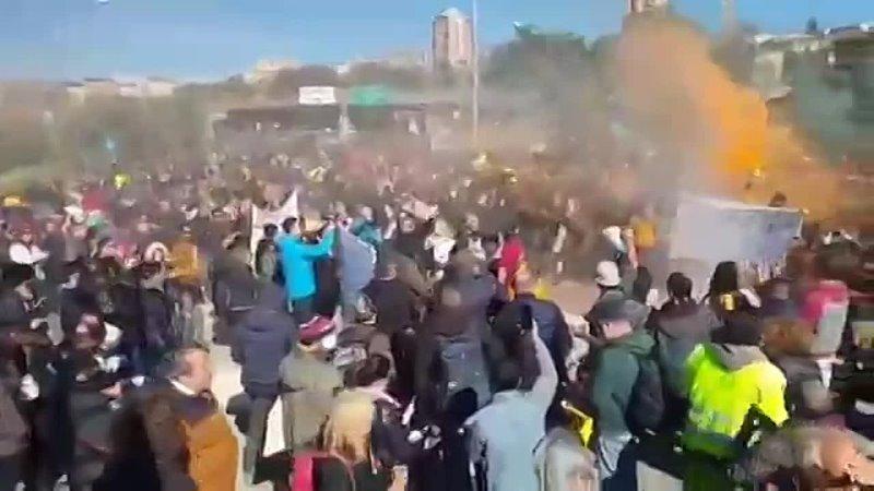 Забастовка Италия 1 360p mp4
