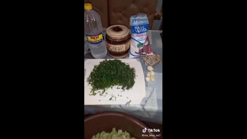 Делаем салат из огурцов переростков на зиму