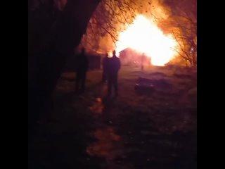 Вчера ночью горели сараи по улице Сергея Тюленина,...