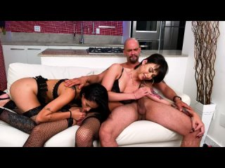 Barbara Perez & Teh Angel / TS + Cis Girl Threesome [Trans, Female, Latina, Bareback, Big Tits, Anal, Deepthroat, Facial]