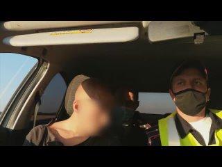«Бейте меня, уничтожайте»: нетрезвый «гонщик» на юге Омск...