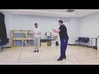 ью Джекман показал танец в стиле Росомахи