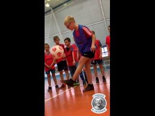 У юношеской футбольной команды из Гагарина заметно...