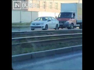 В Екатеринбурге на улице Бебеля столкнулись Газель...