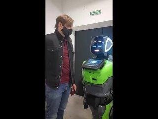 🤖Российские рестораны возьмут на работу роботов дл...