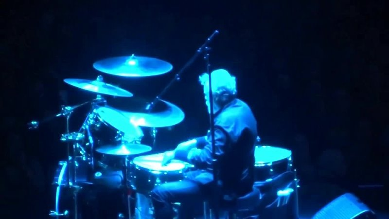 Roger Taylor Drum Solo 2015