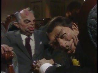 Spitting Image - Встреча Михаила Горбачева и Рональда Рейгана.wmv