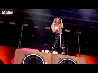 Miley-Cyrus---Wrecking-Ball--Glastonbury-2019-_FULLHD.MP4