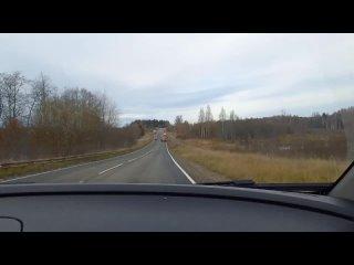 На дороге Устюжна-Валдай, в районе поворота на дер...