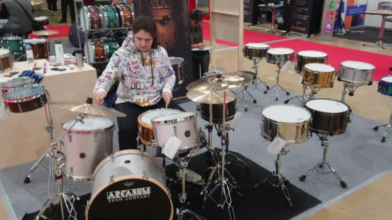 Арсений Карпов за установкой ARCANUM Drum Company 2