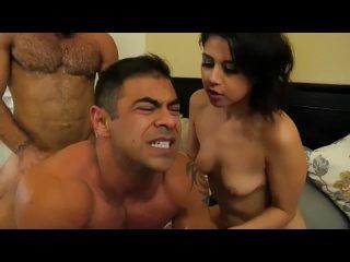 би порно красавица и два брутальных бисексуала Trio Bisexual 2 Hombre