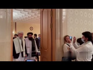 «Талибан»* прибыл в Москву просить помощи.Речь идё...