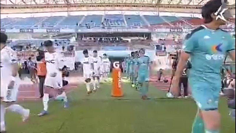 Представьте на минуту шоу Маска объединили с футбольным матчем домашнего турнира