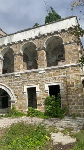 Заброшенный особняк Квитко ????  Дом Квитко Андрея Валерьевича был построен в 1916 году и являлся дачей... Сочи