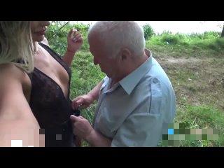Русская инста модель с 700к подписчиков ебется с дедом на улице