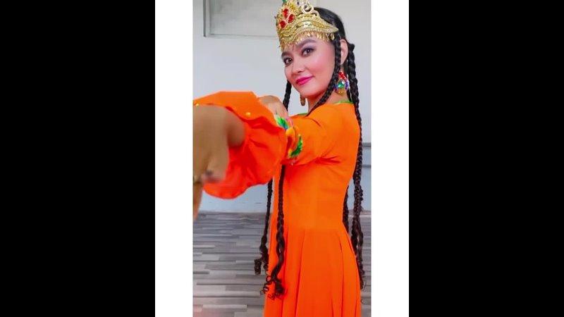Назугум героиня и поэтесса уйгурского народа